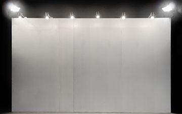 Art Booth - Grey Wall & Lights