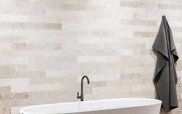 Granite Walls & White Tub (IG)