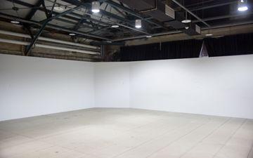 3 White Walls